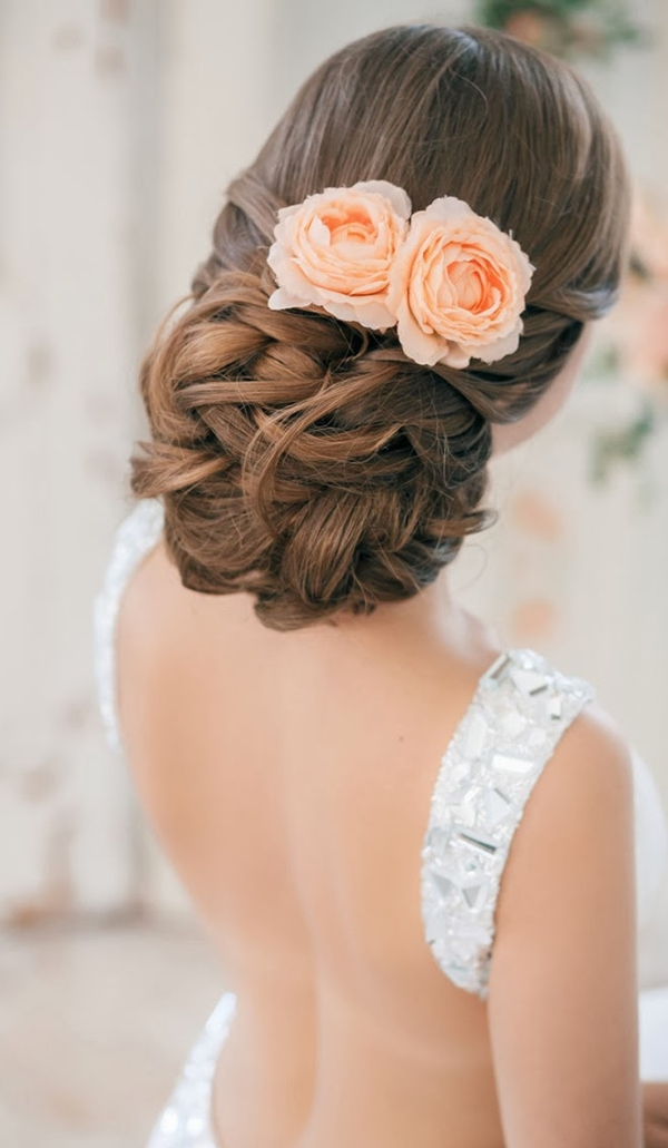 via Weddingomania